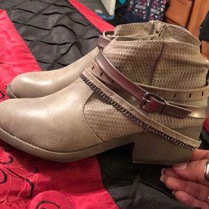 JellyPop Ladies Grey Booties! Never Worn